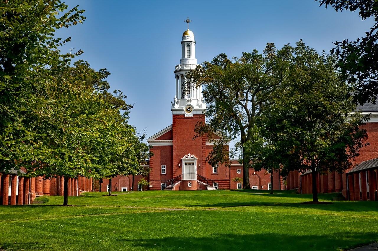Connecticut educational institutions